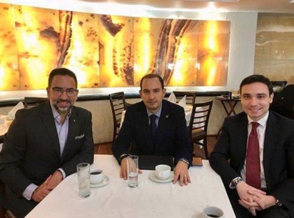 Javier Lozano, con Marko Cortés y Fernando Rodriguez Doval (Foto: Instagram @jlozanoa)