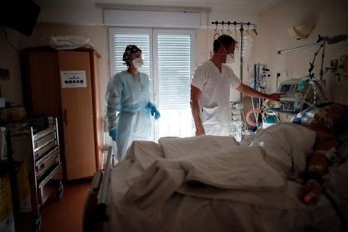 En 2003, un equipo de la OMS llegó a China casi tres meses después del caso inicial del brote de coronavirus del SARS y aún pudo identificar la fuente animal en cuestión de semanas (REUTERS)