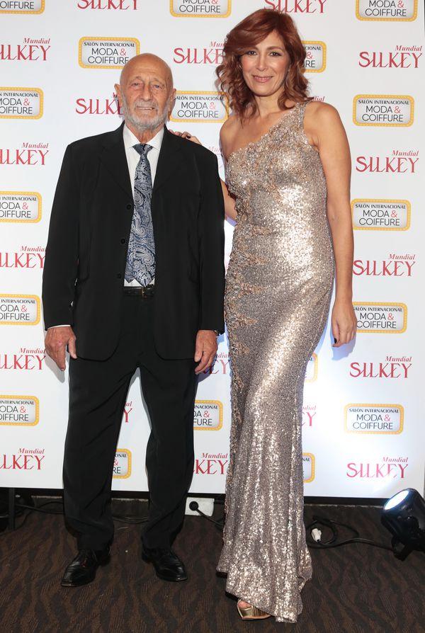 Mauricio Wachs y Elizabeth Yelin con vestido de María Gorof