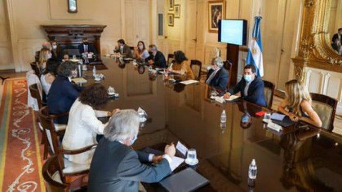 El viernes se reunió el Comité de Vacunación. Alberto Fernández  encabezó el encuentro con su gabinete (Presidencia)