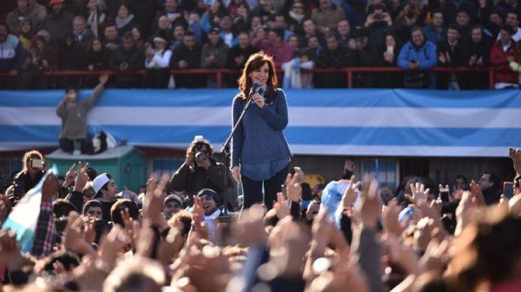 Último acto: La ex presidente pidió unidad y organización para combatir las políticas del Gobierno (Adrián Escandar)