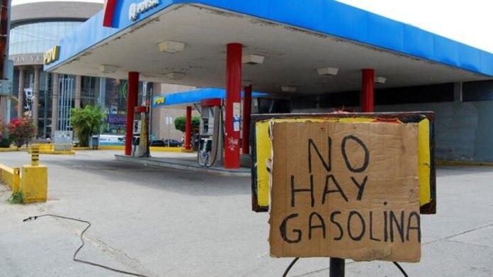 Venezuela también sufre escasez de gasolina