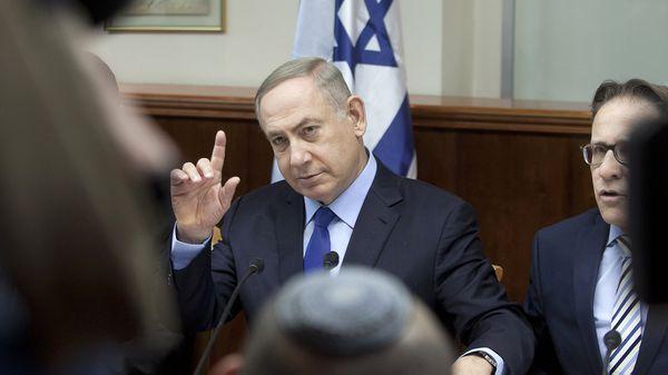 """Benjamin Netanyahu dijo el domingo que su país """"no aceptará ningún tipo de bombardeo, sea de morteros, cohetes o fuego perdido de la guerra en Siria"""" (AFP)"""