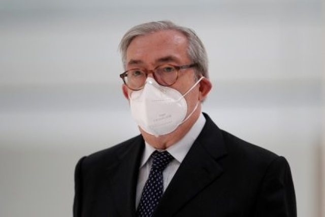 El ex juez Gilbert Azibert durante una audiencia en noviembre (REUTERS/Benoit Tessier)