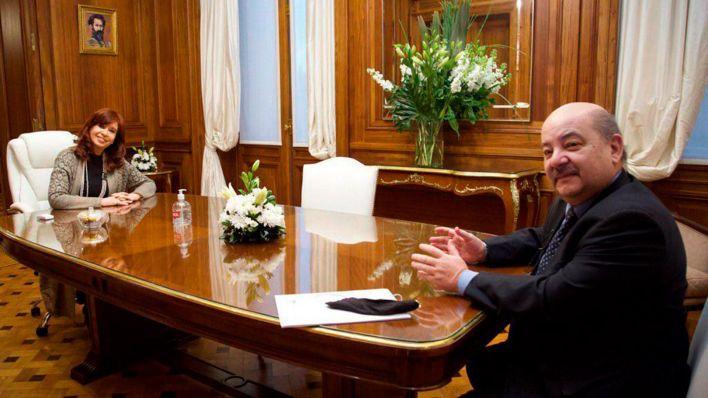 Cristina Fernandez con el rector de la universidad de La Plata