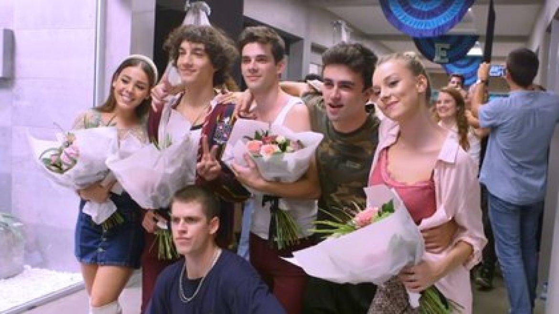 El elenco el día de la despedida de la tercera temporada (Foto: captura de pantalla)