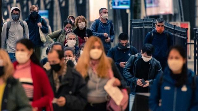 Buscan limitar el uso del transporte público (Adrián Escandar)
