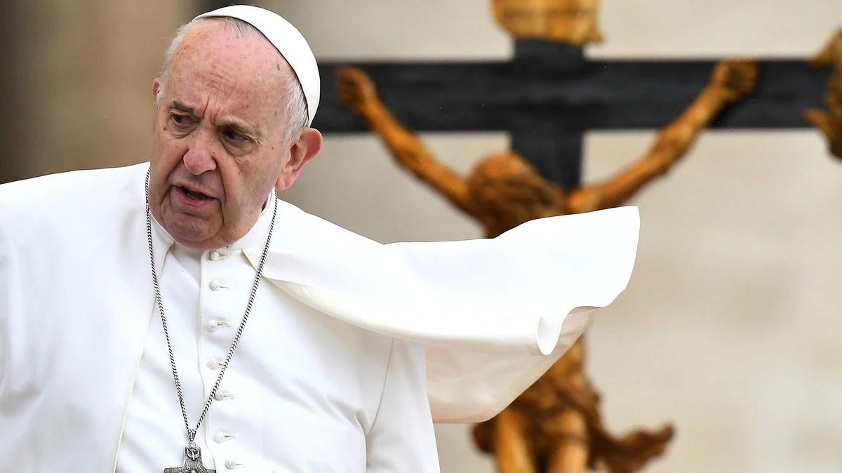 Un nuevo escándalo de corrupción sacude al Vaticano: cinco altos funcionarios fueron suspendidos en forma preventiva
