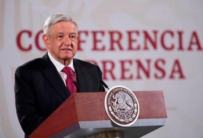 Fotografía cedida por la presidencia de México, del presidente de México, Andrés Manuel López Obrador, durante su conferencia matutina este lunes en Palacio Nacional de Ciudad de México (México). EFE/Presidencia de México/SOLO USO EDITORIAL