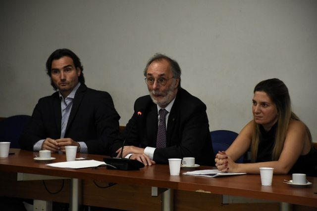 Los diputados Mestre, Tonelli y Lospennato, impulsores del tratamiento del tema (N.Stulberg)