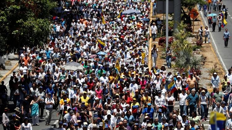 La marcha el sábado en Venezuela contra los apagones (REUTERS/Carlos Garcia Rawlins)