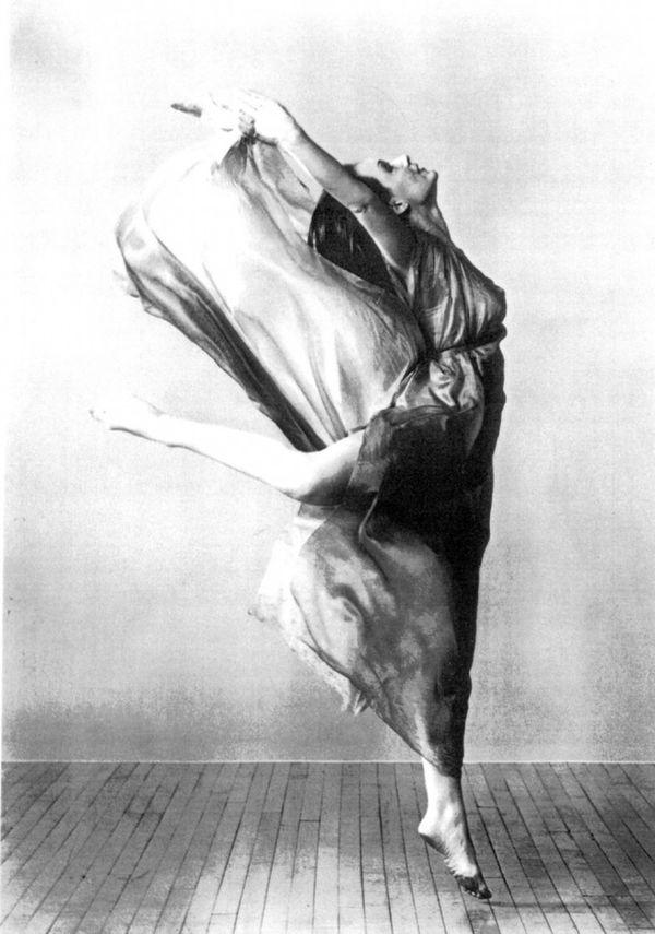 Isadora Duncan fue una mujer inspiradora: la creadora de la danza moderna, según sus pergaminos