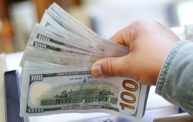 El mes de noviembre se registró una tendencia bajista para el dólar blue. (Reuters)