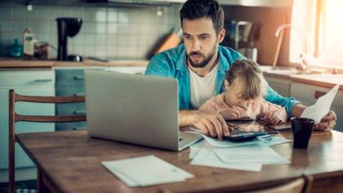 La norma establece consideraciones especiales para los trabajadores que tengan menores a su cargo.
