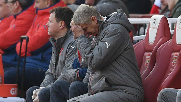 Arsène Wenger, técnico del Arsenal FC, atraviesa su peor momento en 20 años (Getty Images)
