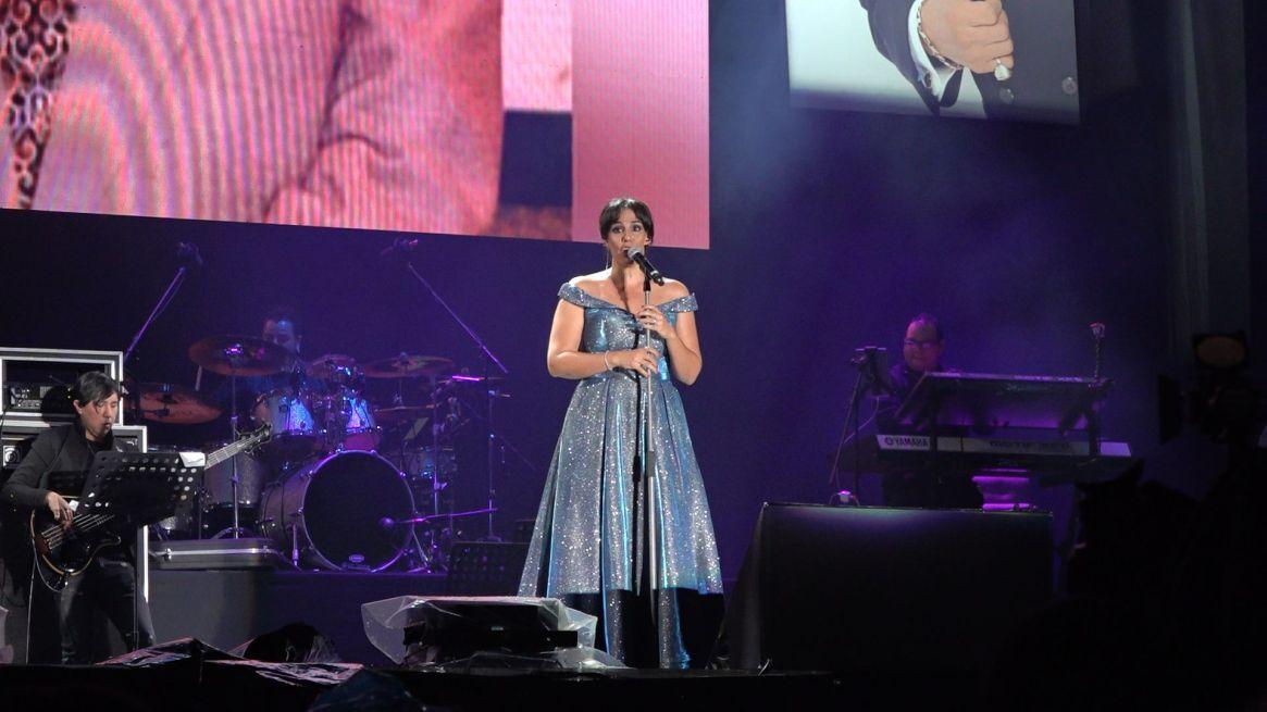 Marysol Sosa, hija del cantante, agradeció a los asistentes que soportaron las inclemencias del tiempo