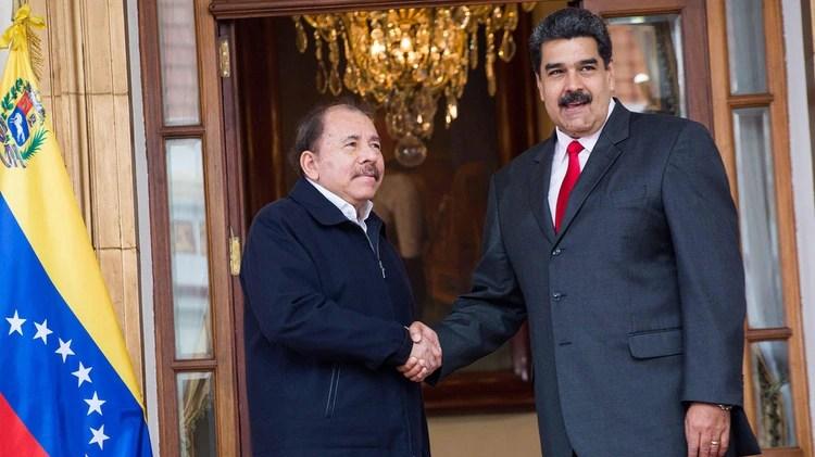 Nicolás Maduro y su aliado estratégico, Daniel Ortega (EFE)