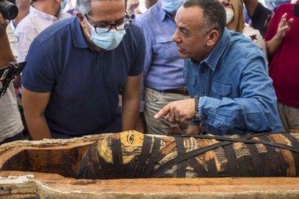 El ministro de Turismo y Antigüedades, Jaled al Anani, encabezó la ceremonia (Khaled DESOUKI / AFP)
