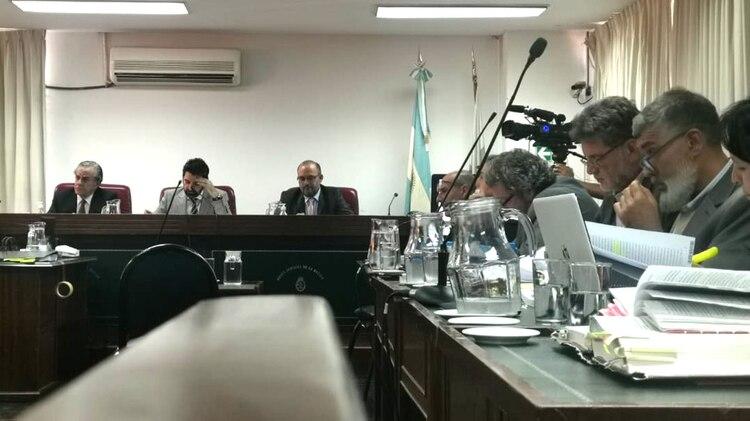 Tribunal Oral Federal de La Rioja integrado por Julián Falcucci, Jaime Díaz Gavier y Enrique Lilljedahl