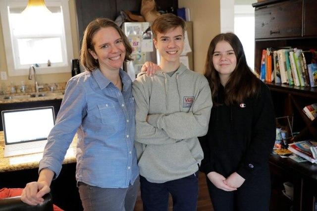 Haller, junto a sus hijos (AP)