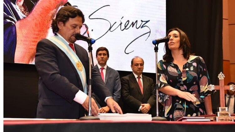 Josefina Medrano, durante su jura como ministra de Salud, tras la asunción de Gustavo Sáenz como gobernador de Salta.