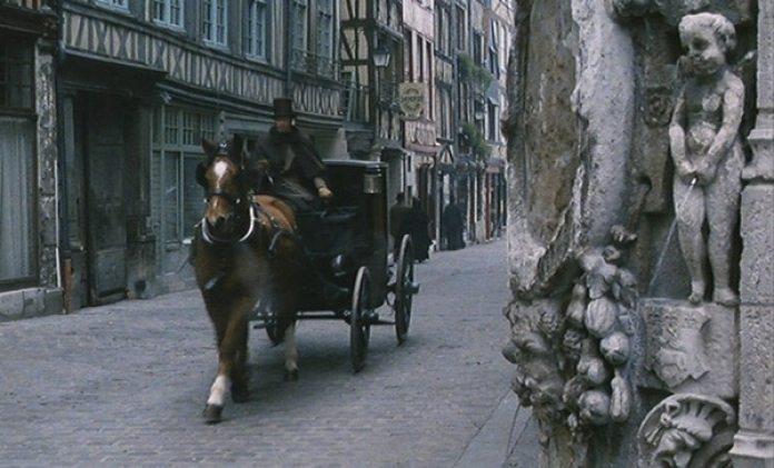 Comienza de la escena del fiacre, en la película de 2014 dirigida por Sophie Barthes