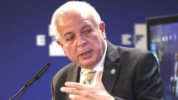 """Tomas Regalado, ex alcalde de Miami: """"Las medidas son un antes y un después"""", definió."""