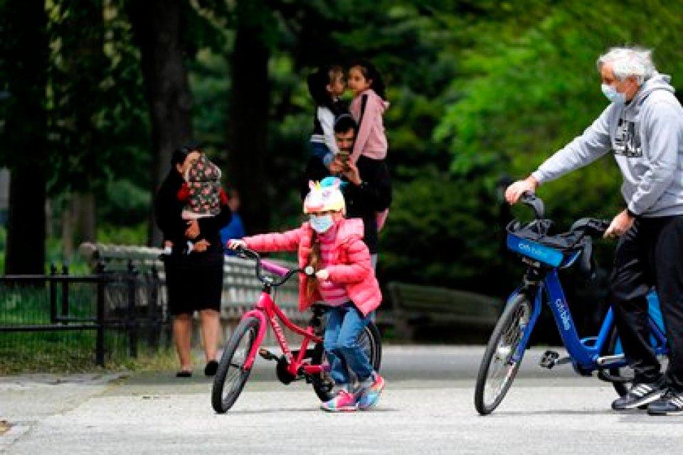 Niños en Nueva York en Central Park. EFE/EPA/Peter Foley