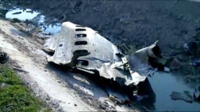 Restos del avión accidentado (Prensa Iraní via REUTERS)