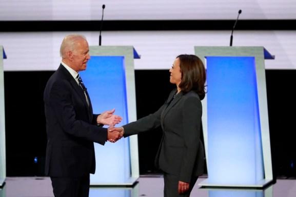 Kamala Harris, la única afroamericana de la contienda, tuvo un momento viral en el debate previo, cuando le enrostró a Biden su postura sobre el transporte escolar como política antidiscriminatoria (Reuters)