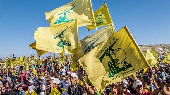 Una manifestación del grupo terrorista libanés Hezbollah. Algunos de sus miembros se han hecho de pasaportes venezolanos (Shutterstock)