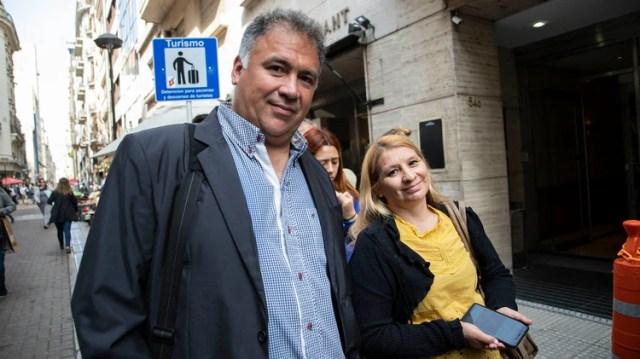 Walter Rodrigo Escobar es ingeniero químico y está desempleado hace cuatro meses: quiere irse con toda su familia a Italia