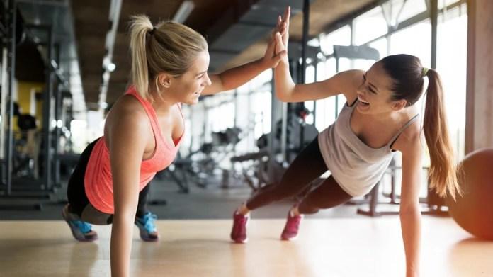 Con pocos minutos de actividad se retrasa la aparición de fatiga, lo que produce una sensación de vitalidad y bienestar (iStock)