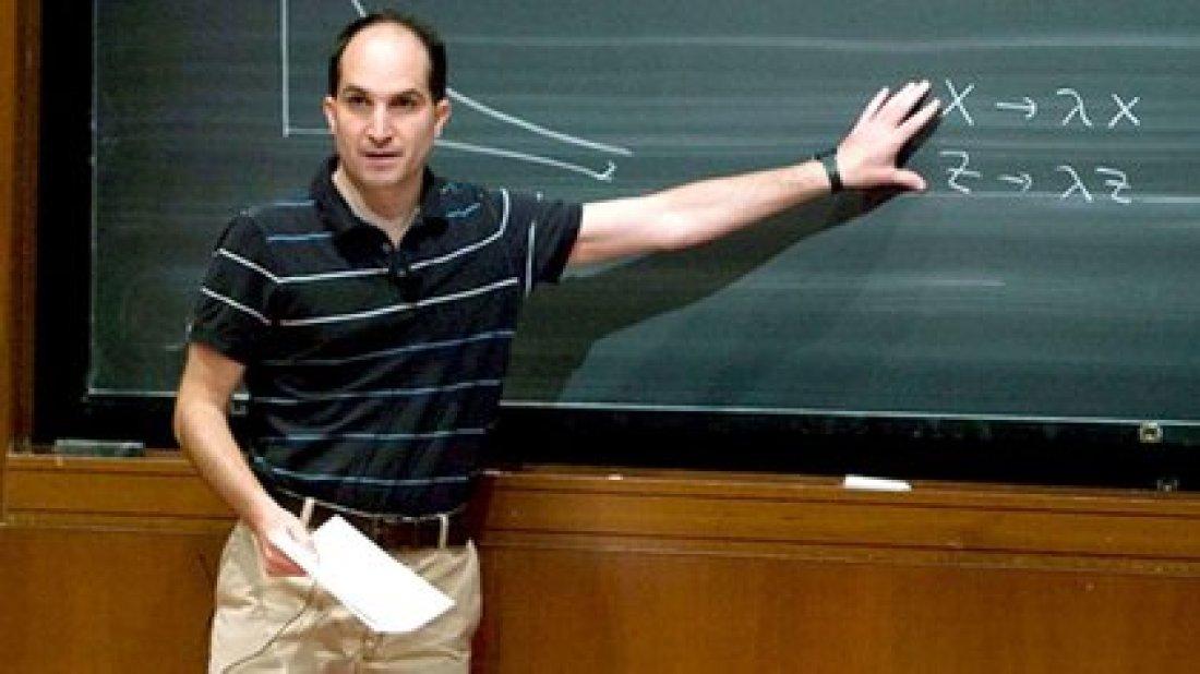 Juan Martin Maldacena ha hecho muchos y muy originales aportes a la física teórica, que abarcan desde las teorías de cuerdas y los agujeros negros a sistemas que se pueden construir en un laboratorio