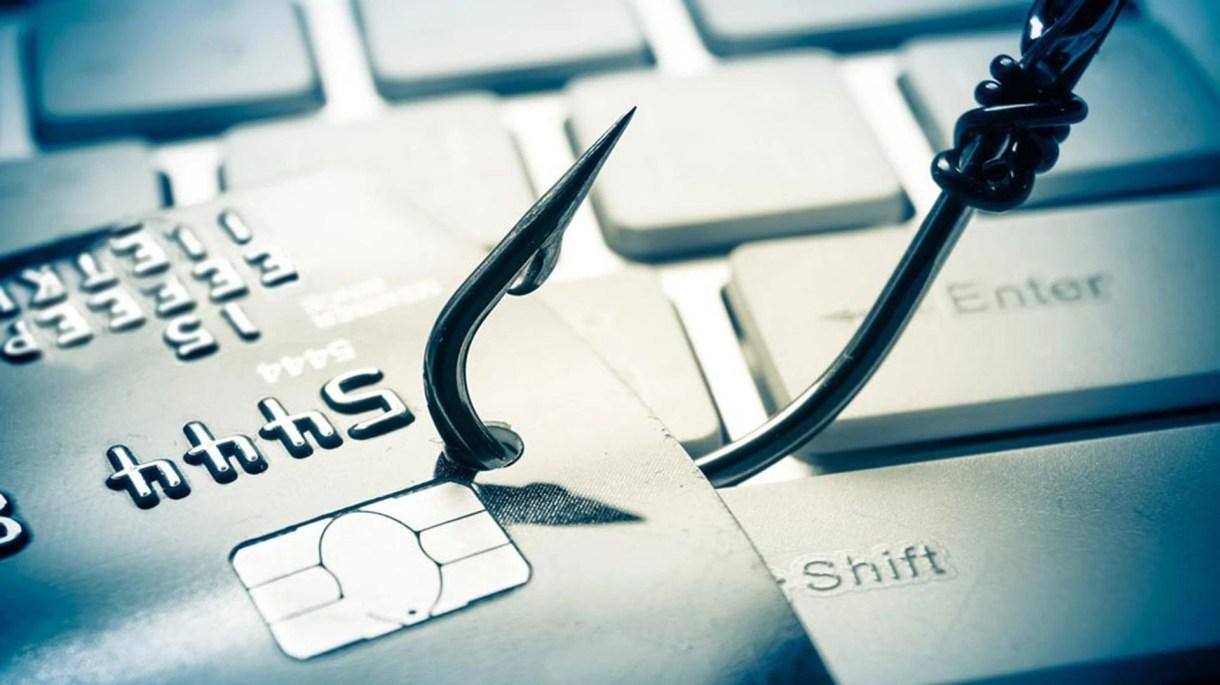 El phishing es un tipo de fraude por medio del cual un cibercriminal engaña al usuario para que éste le ofrezca sus credenciales de acceso
