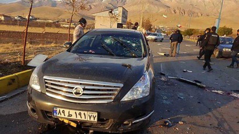 Así quedó el vehículo en el que se trasladaba el ex jefe del plan nuclear iraní (IRIB NEWS AGENCY / AFP)