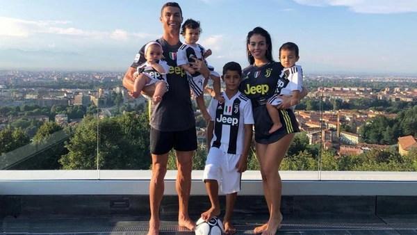 Junto a Georgina, madre de su hija Alana Martina, Cristiano Ronaldo ha formado una gran familia