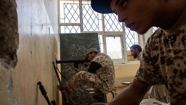 Tropas del gobierno de Tobruk en los combates contra milicias yihadistas (AFP)