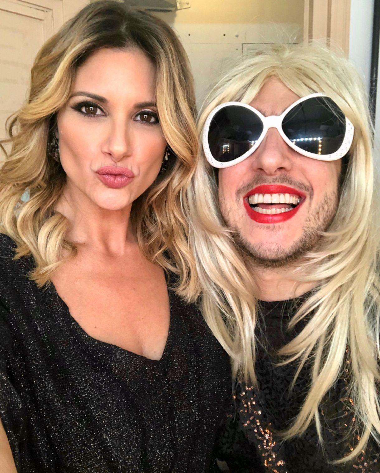 Alessandra Rampolla junto a Estelita, el personaje que interpreta Jey Mammon