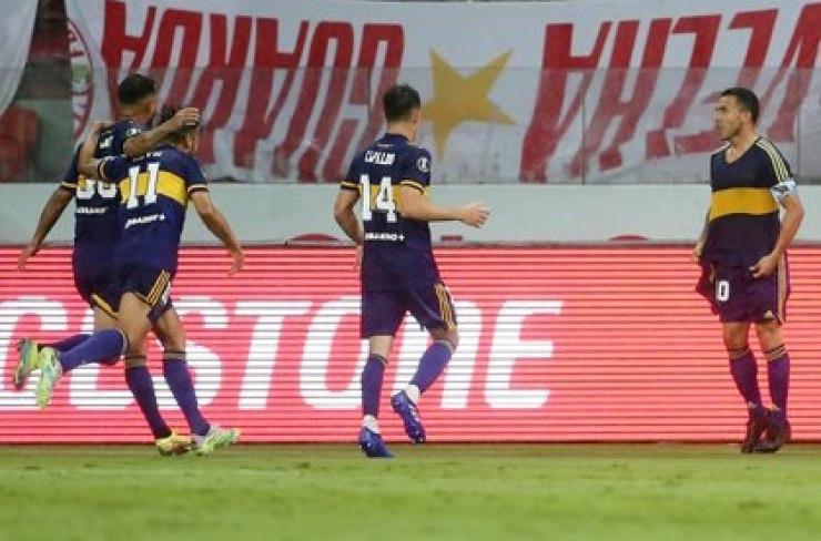 La celebración de Tevez en el 1-0 de Boca en Brasil (REUTERS/Diego Vara)