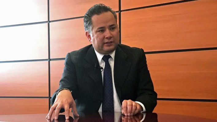 Imagen de archivo. Santiago Nieto, jefe de la Unidad de Inteligencia Financiera de la Secretaría de Hacienda, habla durante una entrevista con Reuters en Ciudad de México, México. 14 de septiembre de 2018. REUTERSAlberto FajardoFile Photo