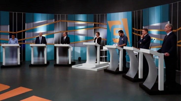El debate presidencial del domingo 17 de agosto:Marina Silva (Rede), Henrique Meirelles (MDB), Geraldo Alckmin (PSDB), Guilherme Boulos (PSOL), Alvaro Dias (Podemos) y Ciro Gomes (PDT), rodean a la moderadora, Maria Lidia(AFP)