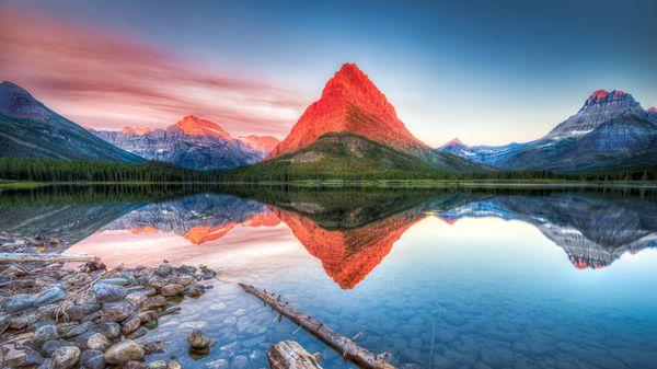 El parque nacional de los Glaciares se encuentra en el estado de Montana, y limita con la frontera de Canadá (iStock)