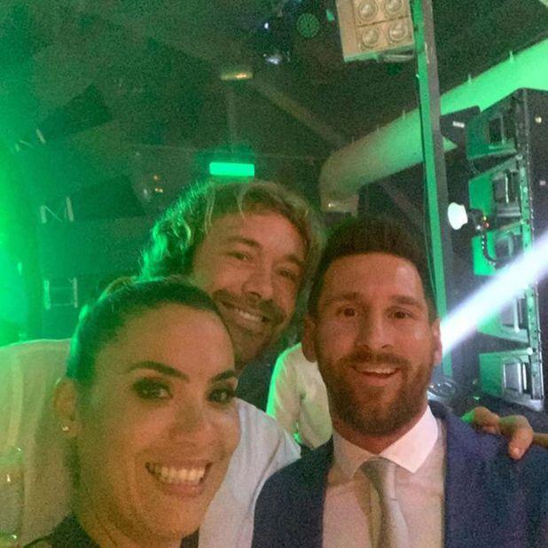 Diego Lugano y Lionel Messi (@karinaroncio)