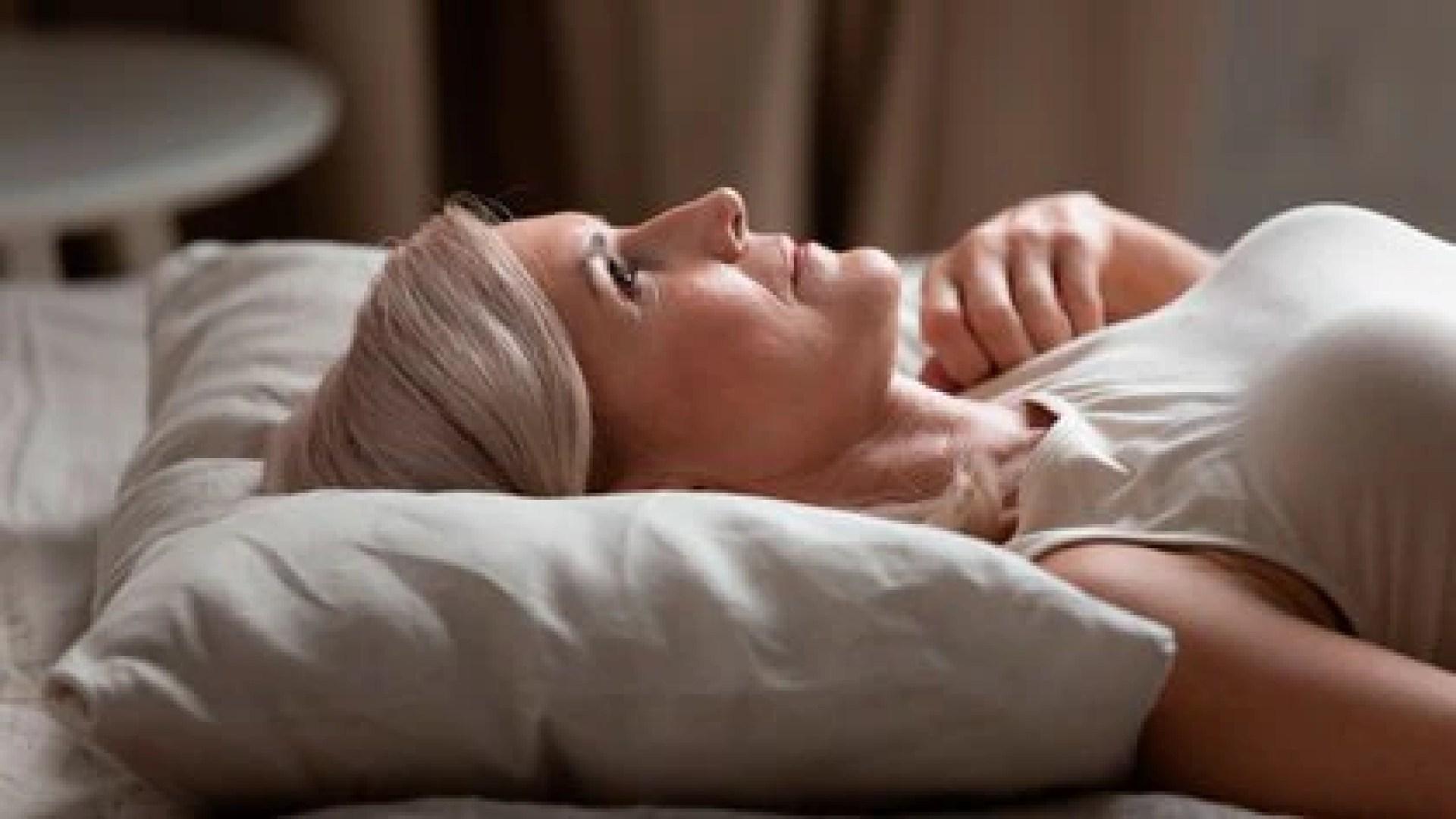 Uno de los mitos es que las personas de edad no son deseables sexualmente. (Shutterstock)