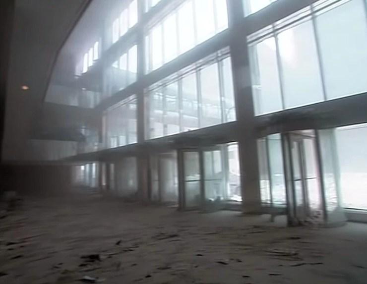 El polvo blanco cubrió calles y edificios (Foto: captura de video CBS/Mark Laganga)