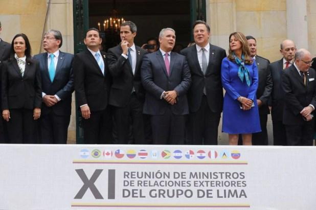 El presidente de Colombia, Iván Duque, junto a los cancilleres del Grupo de Lima durante una reunión en Bogotá (REUTERS)