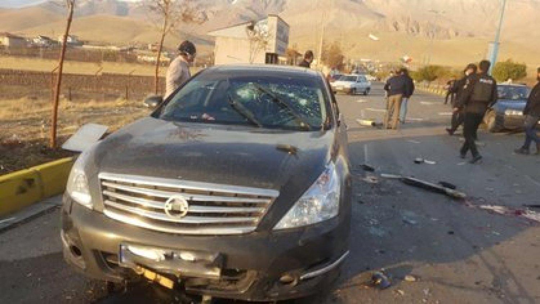 Bajarse del vehículo blindado habría sido el principal error del científico (WANA/Reuters)