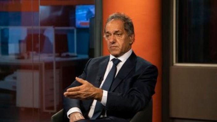 El embajador argentino en Brasil, Daniel Scioli, es uno de los vacunados