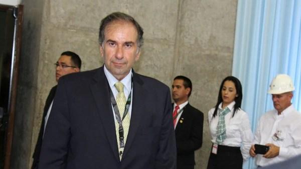 Schiavoni aboga por la inserción del país en el mundo, entre otros objetivos